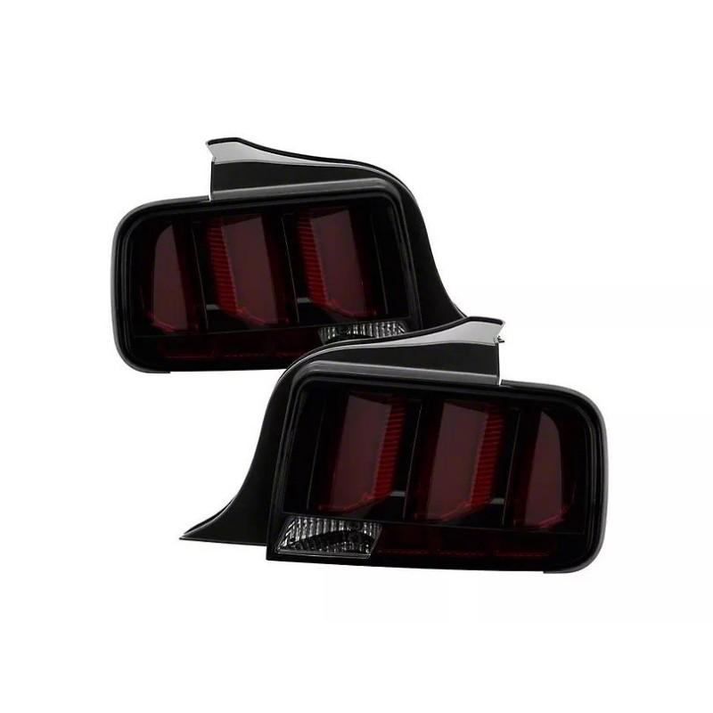 Feux arrières Raxiom rouges fumés Style 2015 Mustang 2005-09